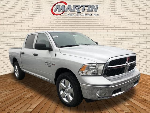 New 2019 Ram 1500 Classic Tradesman Crew Cab In Bowling Green C9099